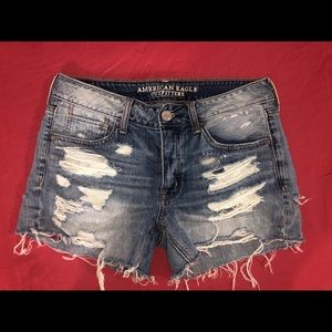 American Eagle. Size 4 Tom Girl shorts.